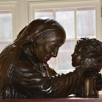 Bronze statue Mother Theresa