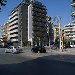 Не в самом центре Салоник, но весьма достойный, чистый, бюджетный отель