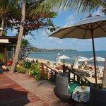 Massage-Bungalow und Strand