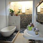 Kama Bisma - Krisna Bathroom