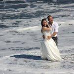 eines war dem Brautpaar gewiß, es lockte viele Schaulustige an!