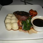 8oz tenderloin with red wine sauce & garlic mashed