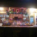 Bar mit Weihnachtsdeko