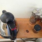 Kettle & coffee