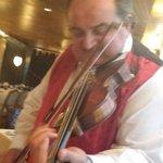 Singing violinist