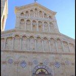 Fachada da Catedral de Santa Maria, Rainha da Sardenha.