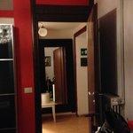 camera matrimoniale - ingresso stanza