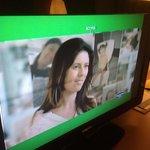"""TV com defeito: uma listra negra que ficava """"girando"""" e um barulho distorcido tão alto que não d"""