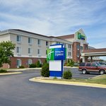 Welcome to Holiday Inn Express