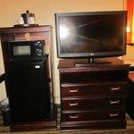 Micro, fridge, TV