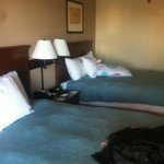 2 QUEEN BEDS STANDARD ROOM