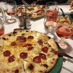 Pizza calabrese con aglio fresco.