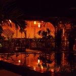 Il ristorante, visto da bordo piscina