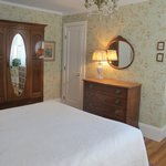Cottage room wallpaper redo