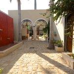 courtyard to breakfast area