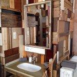 Ludo Room sink area