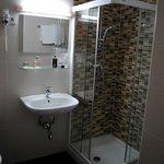 Il bagno della camera tipo superior al 4° piano.