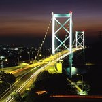 めかり展望台からの関門橋の夜景は息を呑む美しさ