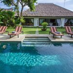 Swimming pool Master Villa