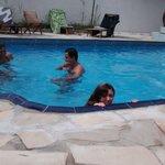 A piscina é ótima!