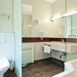 Badezimmer Superior Zimmer/Bathroom Superior Room