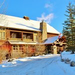 Guest Services in the King Fir Lodge at Timberline