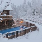 Outdoor Heated Swimming Pool at Timberline Lodges