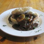 Braised steak, Potato, Port & Date Pie
