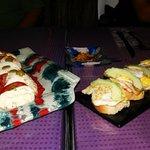 Delicia de ensalada y pan casero!!