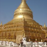 The breathtaking Shwezigon Paya Pagoda in Bagan