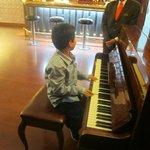 Cuenta con música: piano