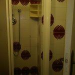 Box doccia presente solo in qualche stanza tra quelle viste..