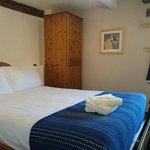 Refurbished En-suite Double Room 3