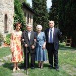 Foto nel giardino lato castello