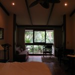 Superior Room, King Bed, Garden View