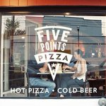 Photo de Five Points Pizza