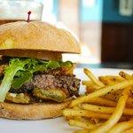 Burger w/ Pulled Pork