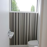 Gondola room-separate toilet room