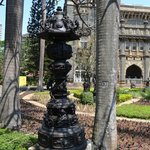 колонна из камня чудесная резьба