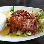 Knusprige Ente mit Gemüse, Reis und Mangosauce