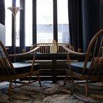 Lounge side
