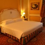 chambre et superbe lit