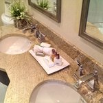 Room 1501, double sinks