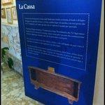 Placa explicativa com a história da Basílica.