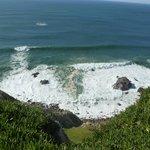 El mar brama a los pies del faro