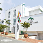 FACHADA DEL HOTEL IMBANACO