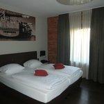 sehr schönes Zimmer mit naturbelassenem Mauerwerk