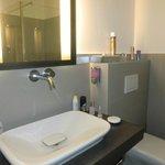 großes Bad mit hochwertiger Ausstattung
