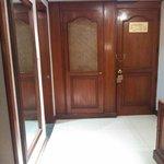 Puerta acceso (mirada desde adentro)