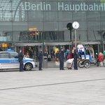 Stasiun sentral Berlin Hauptbahnhoff